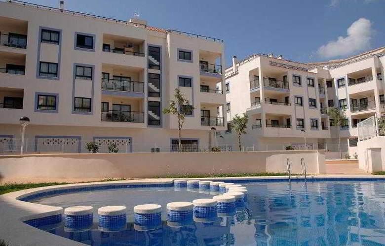 Realrent Calamora - Hotel - 3