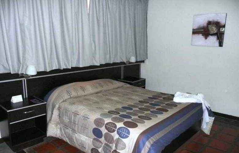 Howard Johnson Tinajeros - Room - 1