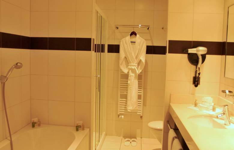 Airport Hotel Basel - Room - 7