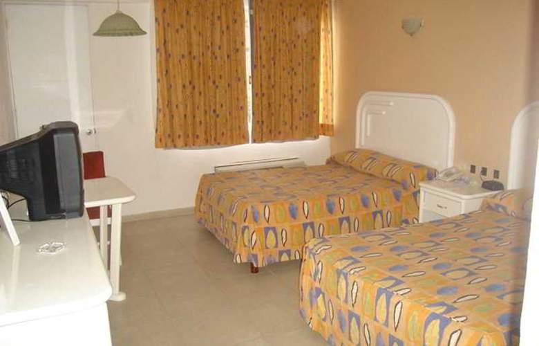 Playa Paraiso - Room - 5