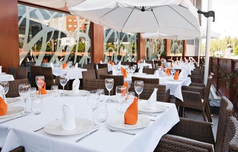 UVE Villa de Alcobendas - Restaurant - 22
