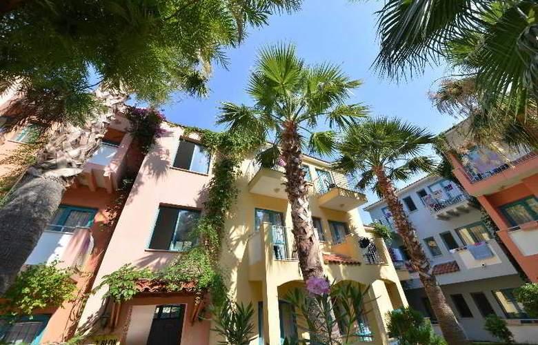 Montebello Beach Hotel - Hotel - 0
