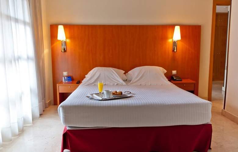Exe Gran Hotel Almenar - Room - 6