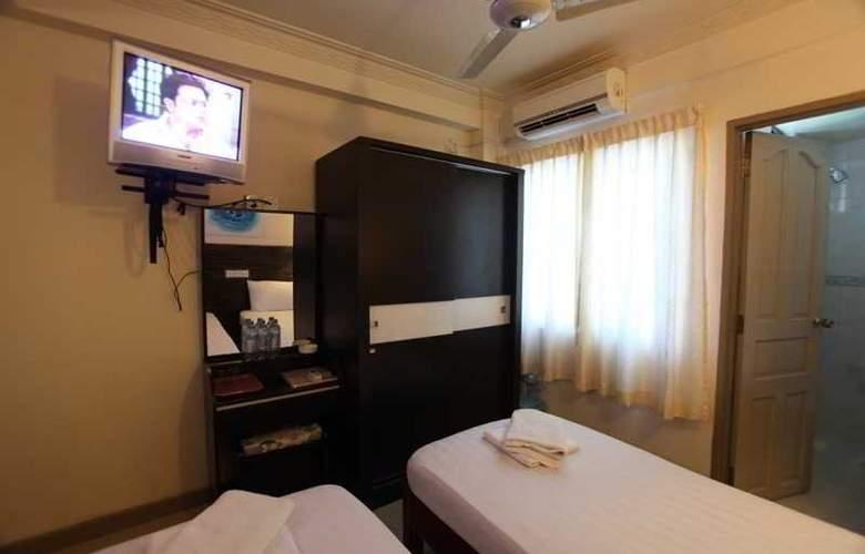 Luckyhiya - Room - 13