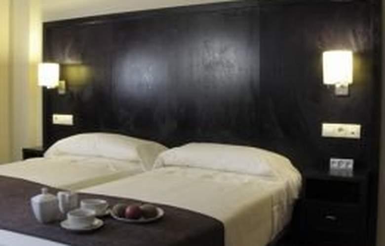 Lux Sevilla Bormujos - Room - 4