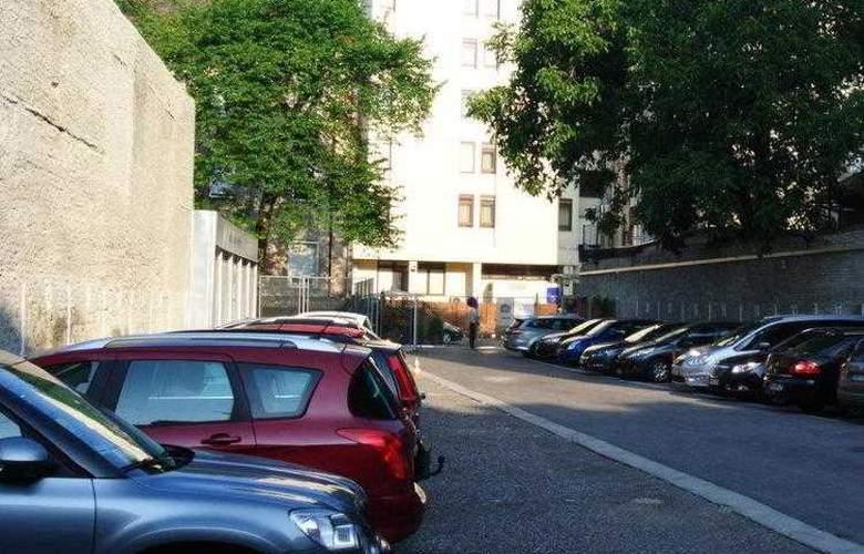 Best Western Premier Astoria - Hotel - 13