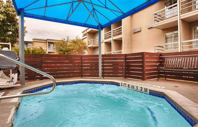 Best Western Plus Austin City Hotel - Pool - 103