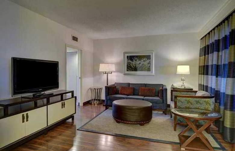 Embassy Suites Atlanta Buckhead - Hotel - 5