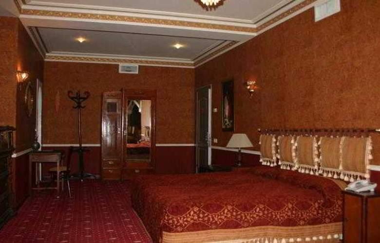Caspian Palace - Room - 4