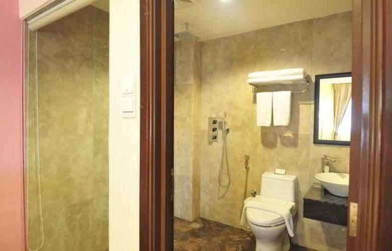 Hallmark Crown Hotel - Room - 13