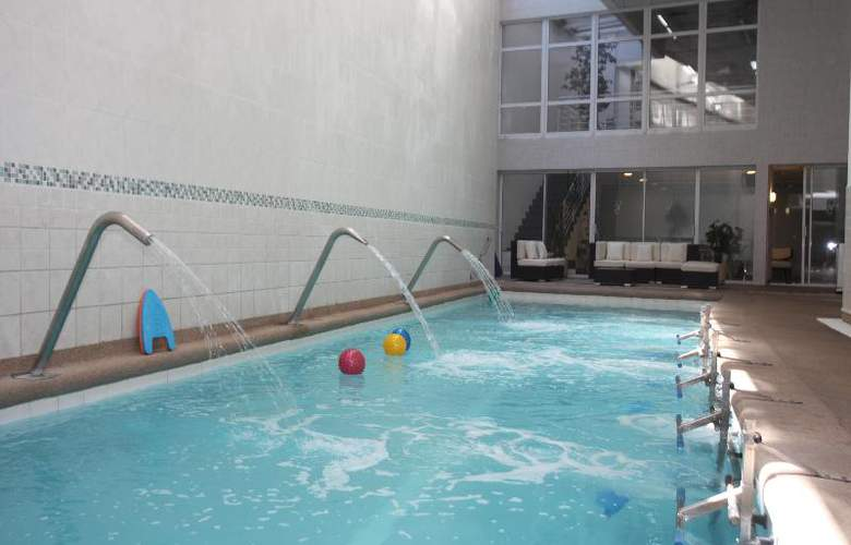 Novotel Santiago Vitacura - Pool - 20