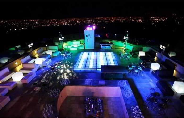 Grand Fiesta Americana Guadalajara Country Club - Bar - 9