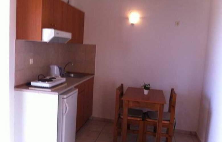 Matheos Apartments - Room - 2