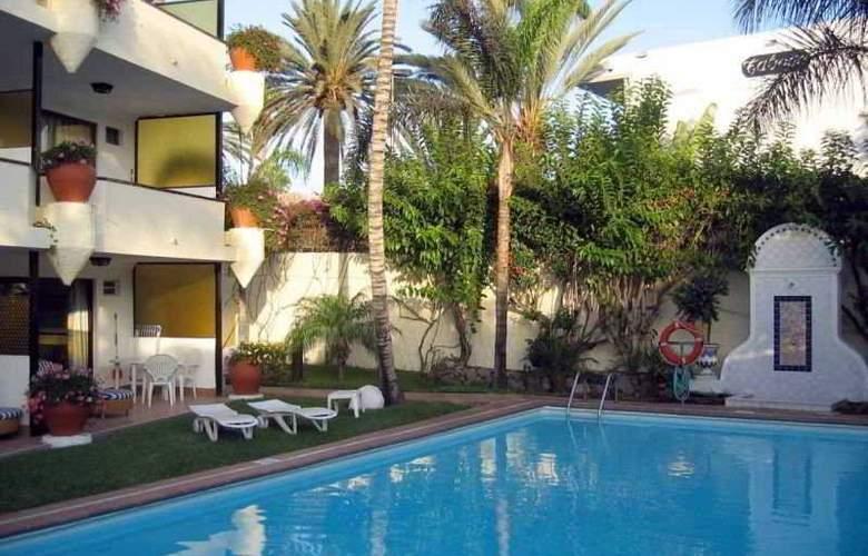 Nogal Apartamentos - Pool - 5