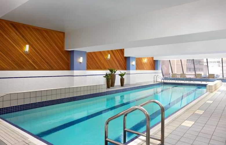 Sheraton Hotel Ottawa - Pool - 3