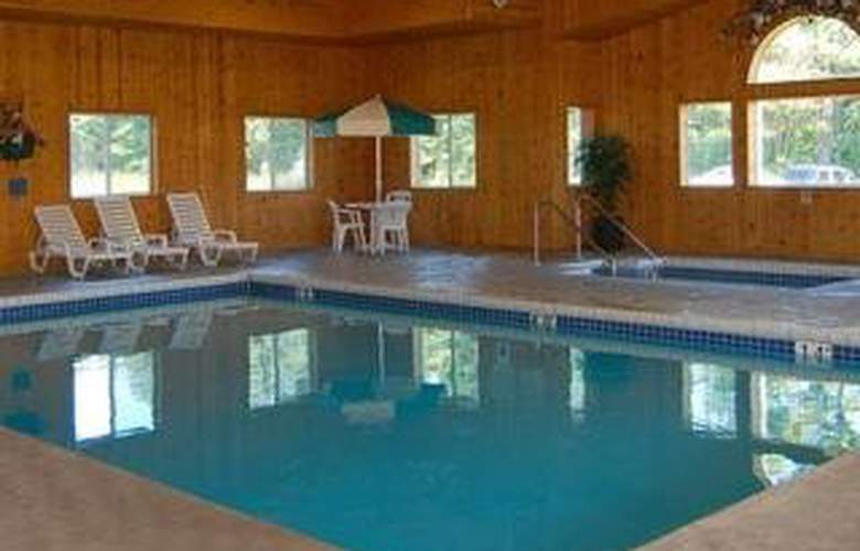 Travelodge Wisconsin Dells  - Pool - 5