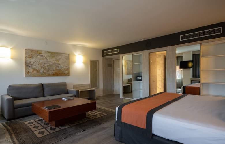 Catalonia Sabadell - Room - 12