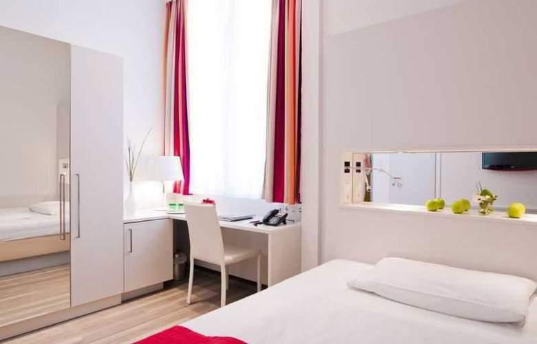 Zipser - Room - 1