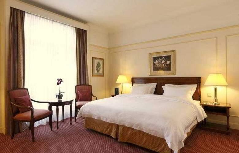 Le Plaza - Room - 2