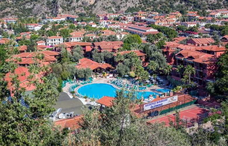 Suncity Hotel & Beach Club - Hotel - 0