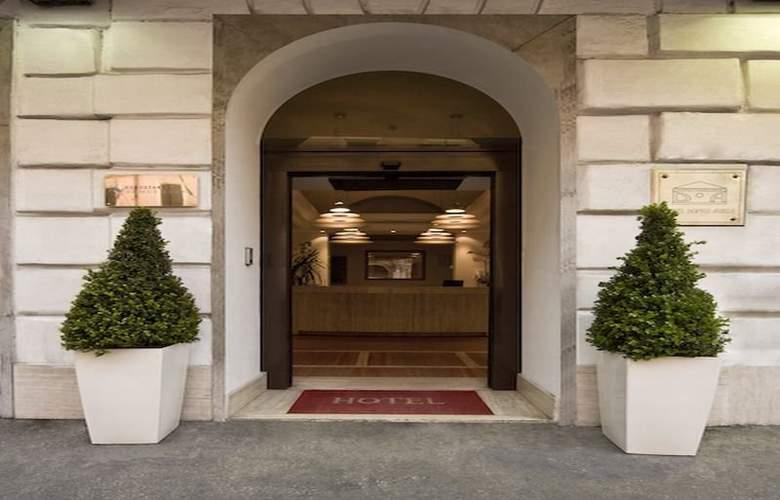 Exe Domus Aurea - Hotel - 0