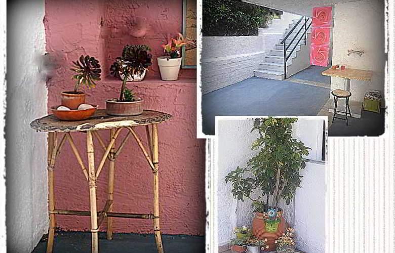 Apokoros FAmily Hotelapt - Terrace - 1