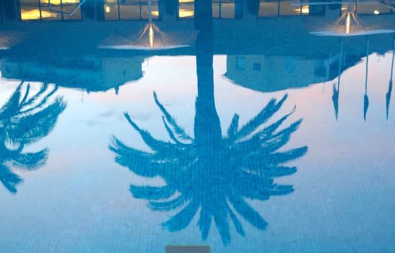 Hotel Monterrey Roses by Pierre & Vacances - Pool - 17