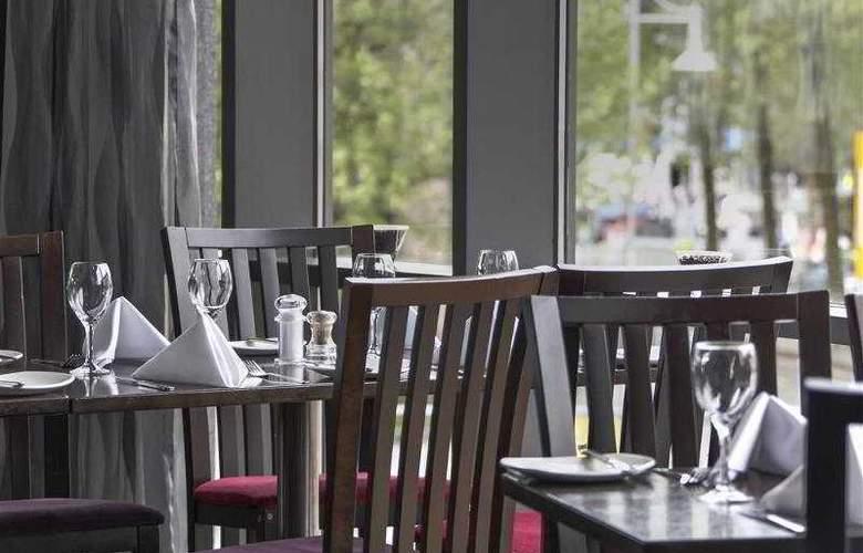 Clayton Cardiff - Restaurant - 67