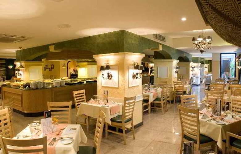 Santana - Restaurant - 9