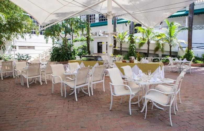 Las Americas Casa de Playa - Restaurant - 18