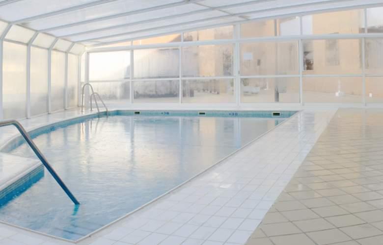 Neptuno Aparthotel - Pool - 12