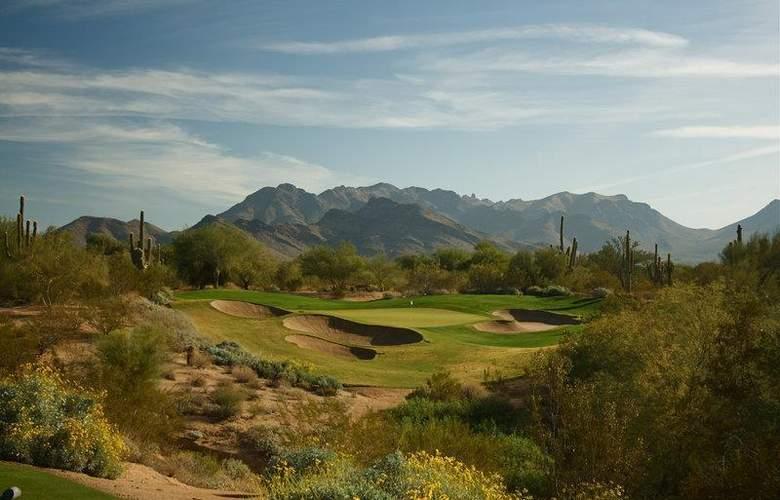 Best Western Plus Innsuites Phoenix Hotel & Suites - Sport - 93