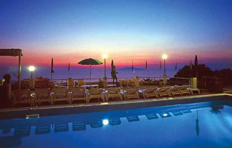 Hotel Il Girasole - Pool - 6