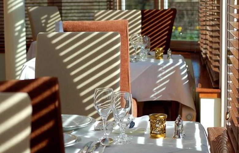 Muckrach Lodge Hotel & Restaurant - Restaurant - 4