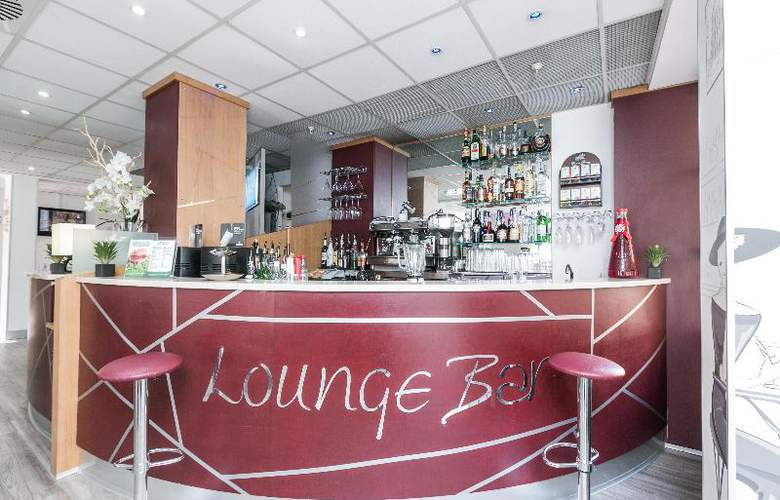 Holiday Inn Express Rome San Giovanni - Bar - 17