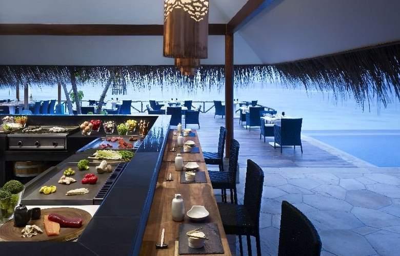 Vivanta By Taj - Restaurant - 9
