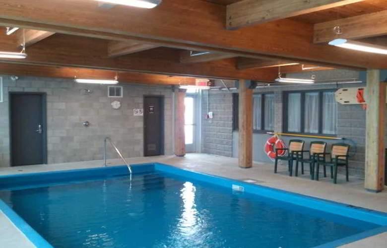 Château Laurier Quebec - Pool - 6