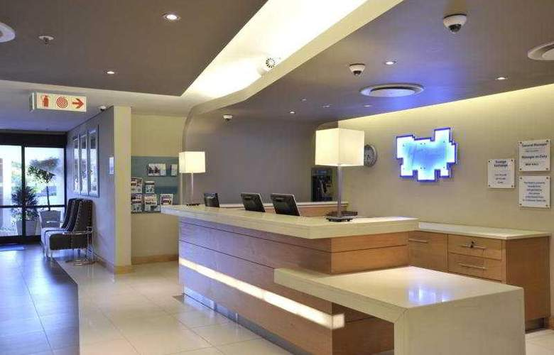 Holiday Inn Express Roodepoort - General - 1