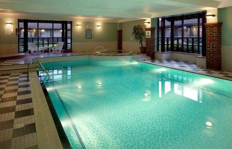Holiday Inn Birmingham - Bromsgrove - Pool - 3