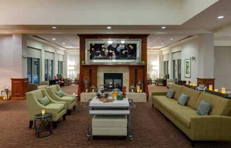 Hilton Garden Inn Lake Forest Mettawa - Hotel - 1