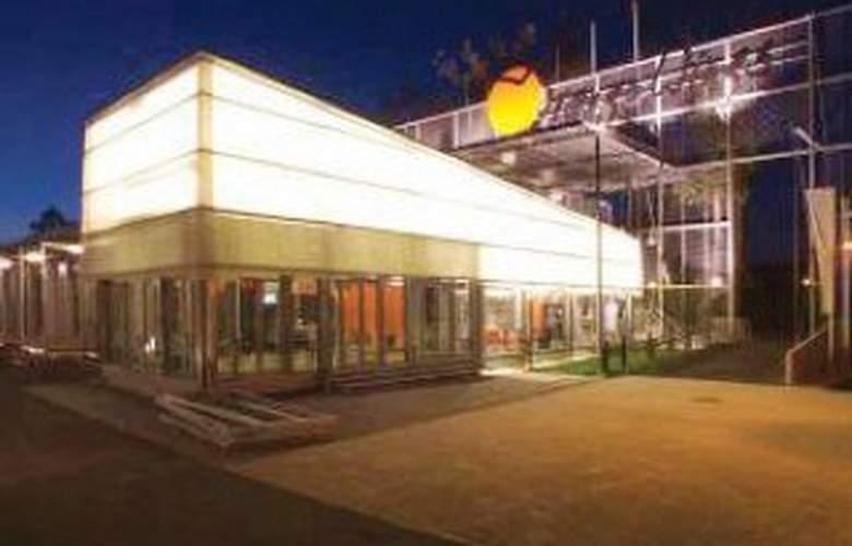 Orange Wings Krems - Hotel - 0