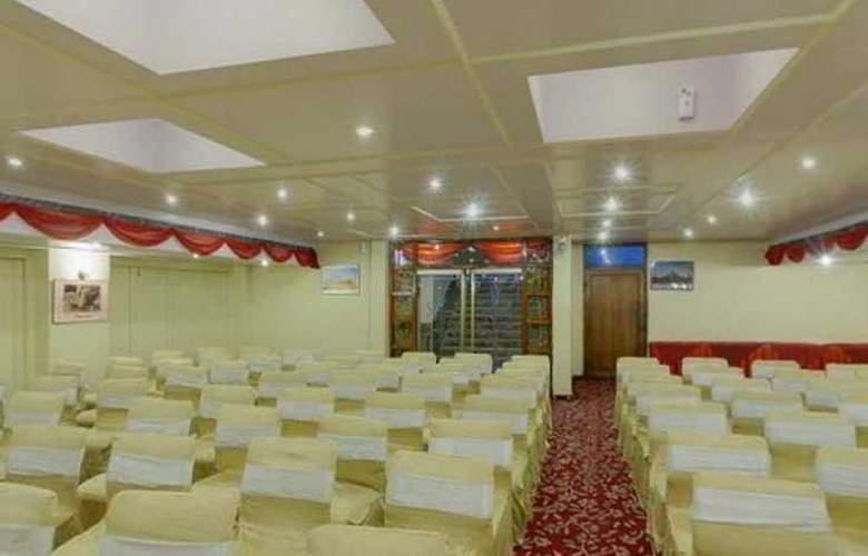 Maharani Plaza - Hotel - 7