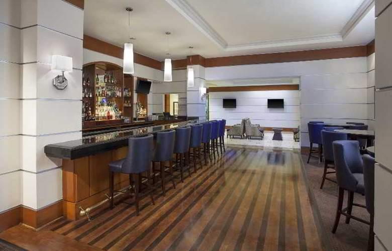 Sheraton Suites Houston near the Galleria - Bar - 37
