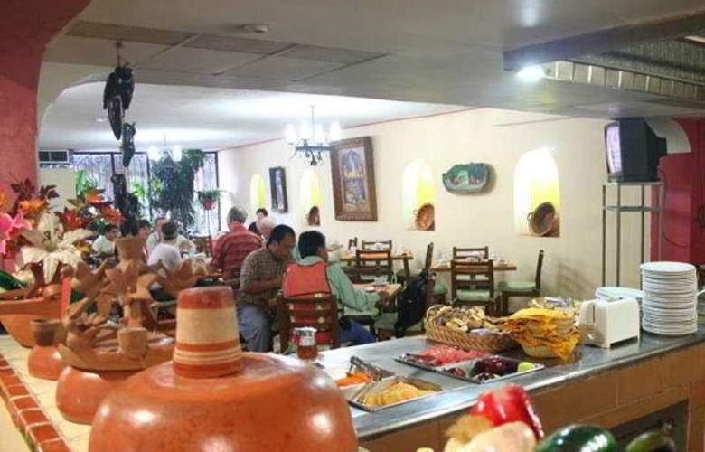 Plaza Independencia - Restaurant - 4