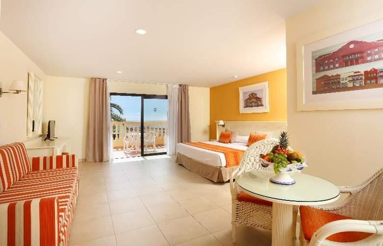 Sunlight Bahia Principe Costa Adeje - Room - 17