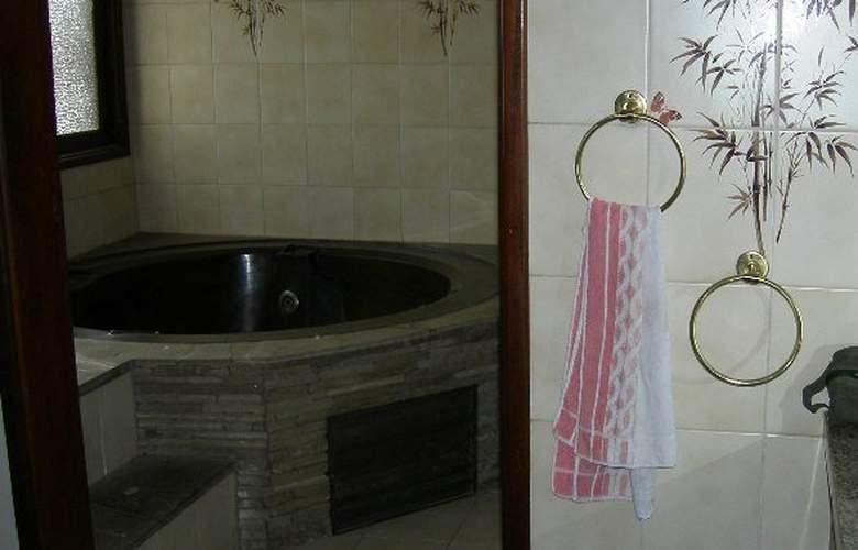 Casa Internacional Los Aventureros - Room - 16