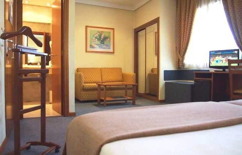 Ciudad De Compostela - Room - 9