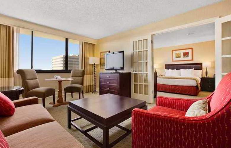 Hilton Tampa Airport Westshore - Hotel - 3