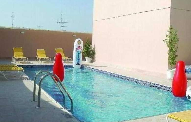 Ramee Guestline Apartment 2 - Pool - 5