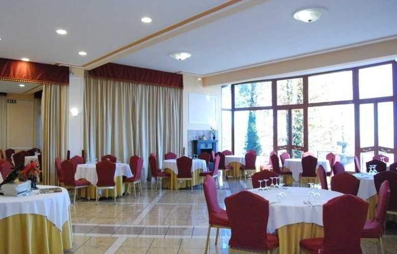 Royal Hotel Montevergine - Restaurant - 12